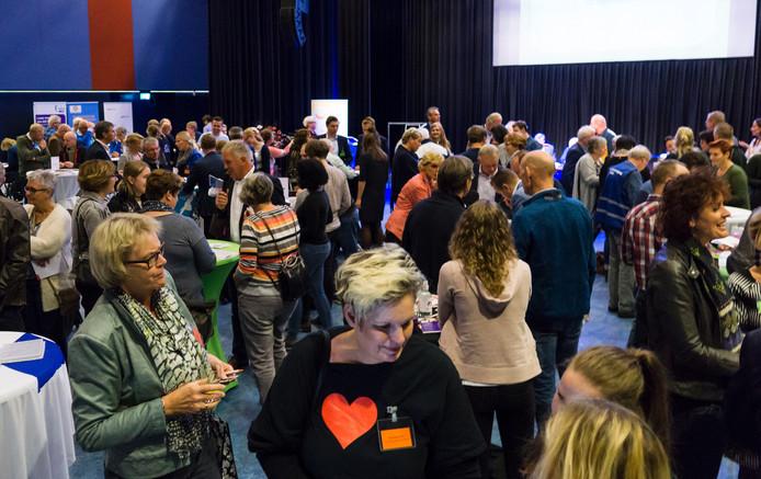 Ruim 60 deelnemers sluiten zo'n 146 overeenkomsten met elkaar.