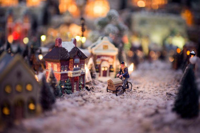 Een detailbeeld van de kerststad.