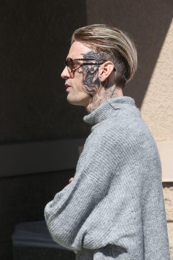 Aaron Carter avec un tatouage sur le visage