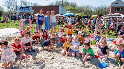Duizend kinderen voor gigantische gelegenheidsspeeltuin