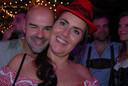Op de zaterdagavond waren circa tweeduizend, onder wie deze twee feestgangers uit Eindhoven, van de partij.
