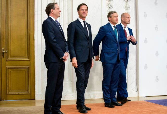Van links naar rechts: Onderhandelaars Sybrand Buma (CDA), Gert-Jan Segers (ChristenUnie), Mark Rutte (VVD) en Alexander Pechtold (D66).