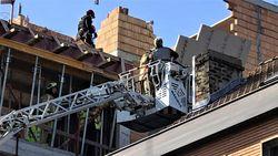 Arbeider zwaargewond, buren geëvacueerd