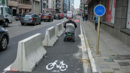 Nieuwe fietsstroken op drukke Belliardstraat