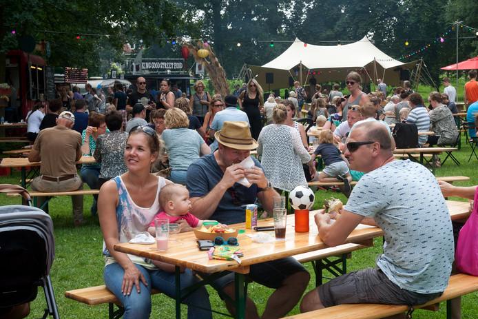 In Deventer is de derde editie van foodfestival 'Eten op rolletjes'.
