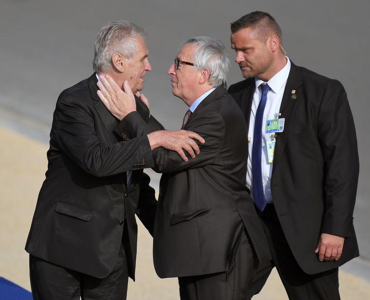 Juncker bij zijn aankomst aan het Jubelpark in Brussel, gisteravond.