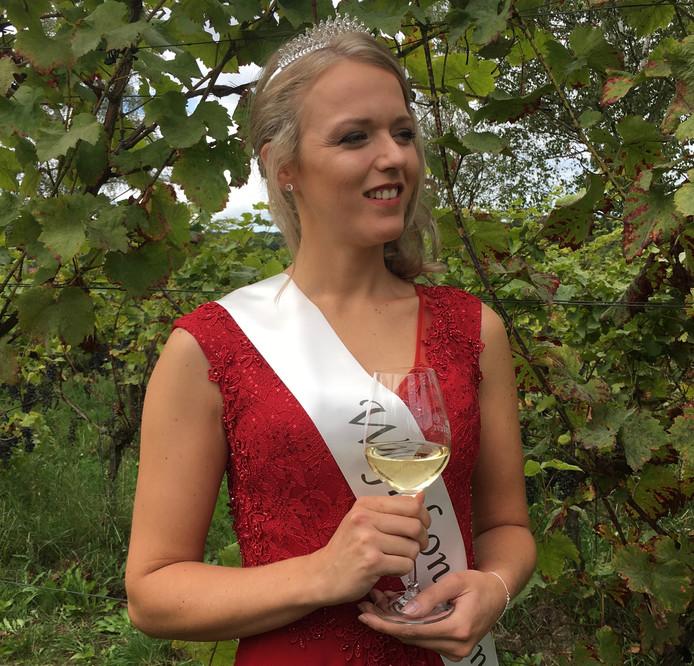 Stefanie Litjens, de nieuwe Wijnkoningin van Groesbeek.