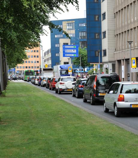 Verkeerschaos in de binnenstad door drukte