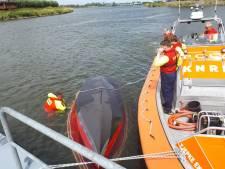 Zeiler (59) bij Werkendam uit water gered nadat zijn boot omslaat in Nieuwe Merwede
