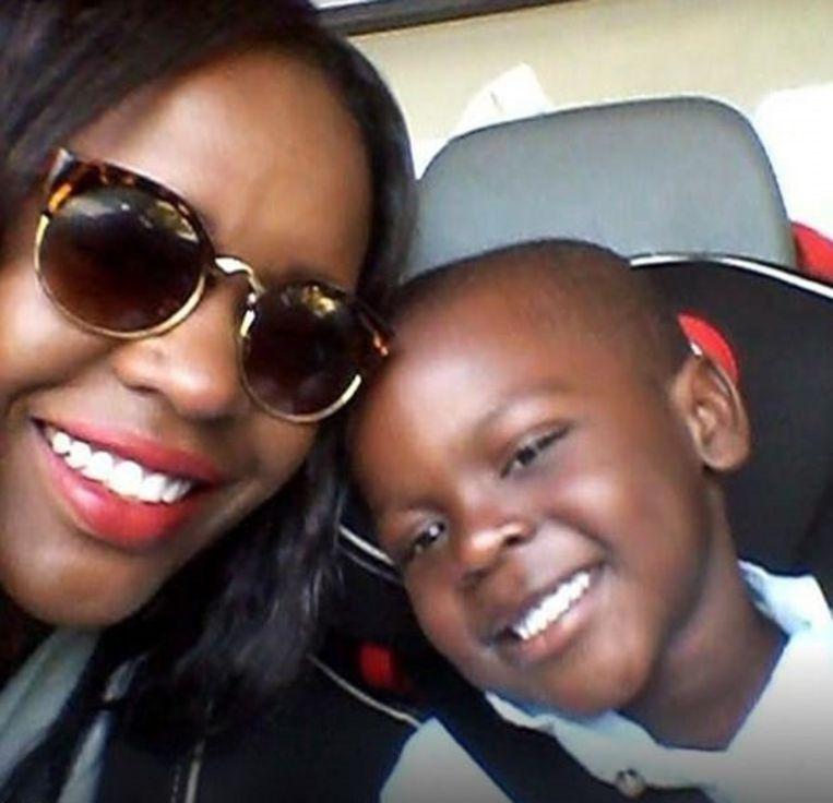 Moeder Terry Mango en haar zoontje.
