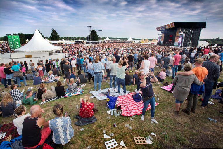 Het volle veld tijdens de 2018-editie van 'Hello'. Beeld Werry Crone
