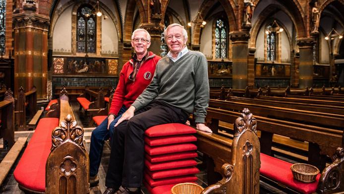 Van Dijk Kussens : Parochianen voeren actie voor kussens op kerkbanken groene hart