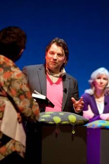 Schrijver Bert Natter geeft lezing in Goes