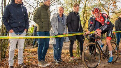 """HLN On Tour, onze vier analisten gingen naar de cross in Zonhoven: """"Wow, dit is afzien"""""""