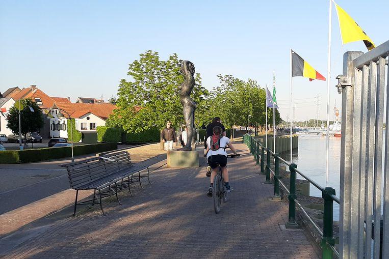 De combinatie van fietsers en voetgangers op de Scheldekade zorgt voor een stijgend aantal verkeersconflicten.