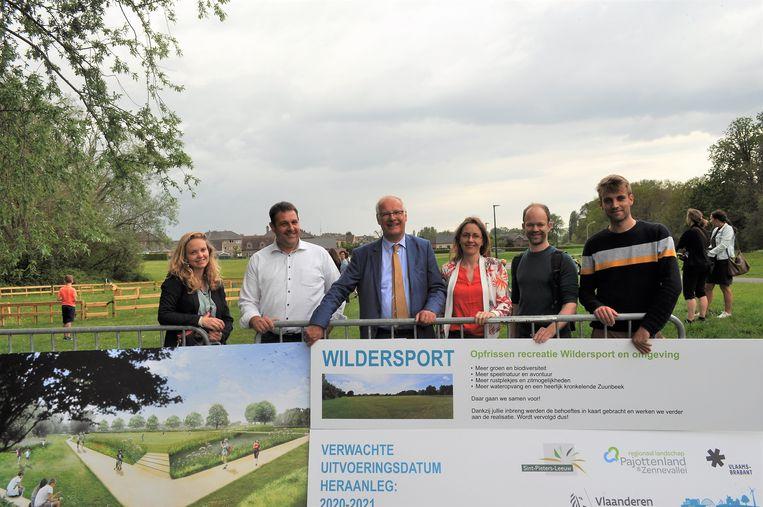 De plannen aan het Wildersportcomplex werden tijdens de Buitenspeeldag voorgesteld.