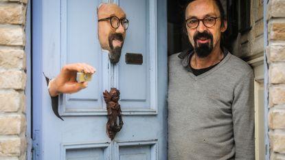 """Ziehier de vreemdste voordeur van het land: """"Nee, het is niet premier Michel"""""""