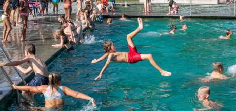 Meer drukte in de zwembaden in de nazomer, maar financiële zorgen blijven