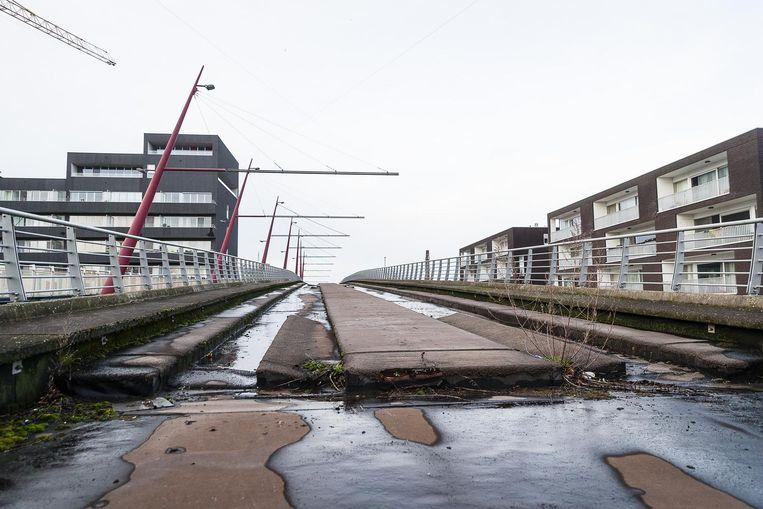 De Gaardeniersbrug: nooit gebruikt, toch bouwvallig.