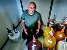 Erik maakt 'wijn van de godinnen': 'Oh, wat heerlijk zoet!'
