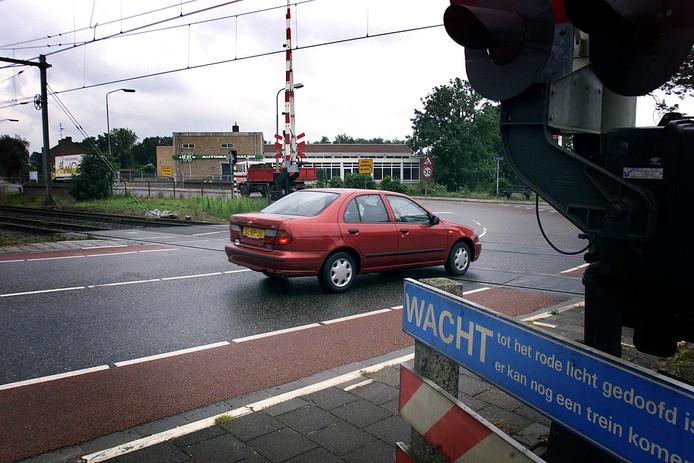 De spoorwegovergang bij de Tongeresestraat in Boxtel (archiefbeeld).