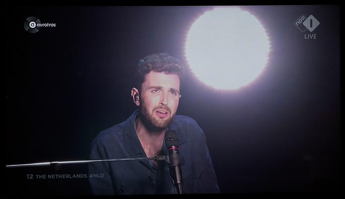 Duncan Lawrence tijdens zijn optreden op het Songfestival. Foto ter illustratie.