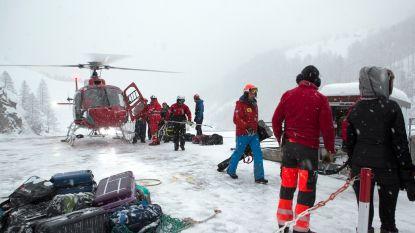 Dode door lawine en gestrande toeristen door hevige sneeuwval Alpen