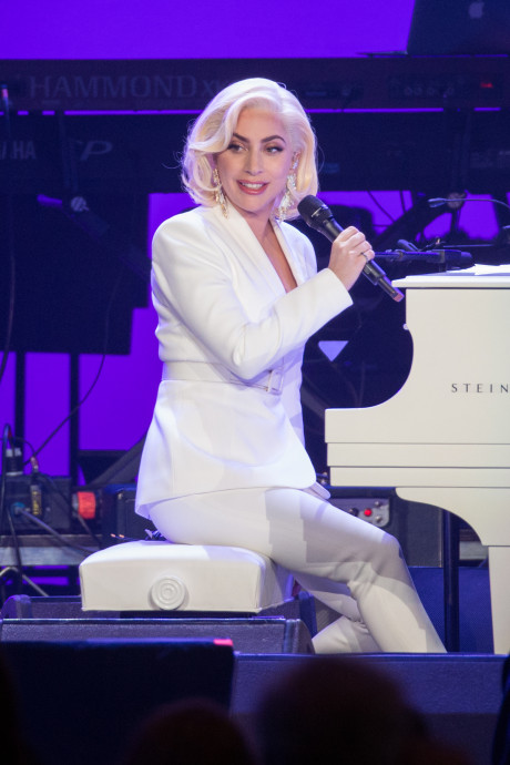 Lady Gaga op Instagram met Wibra-shirt uit Grou