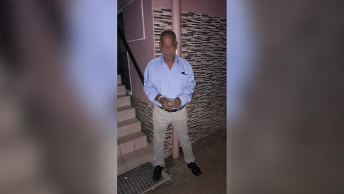 De Surinaamse politie legde Harry O. op de gevoelige plaat vast.
