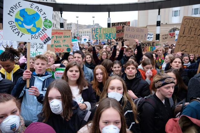 Afbeeldingsresultaat voor scholieren spijbelen voor het milieu