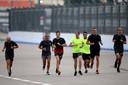 Max Verstappen rent in Sotsji over het circuit.