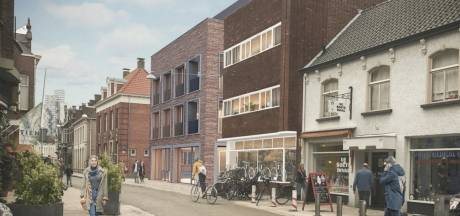 'Lelijke' dansschool aan de Nieuwlandstraat wijkt, maar wie ruimt de vervuilde grond op?