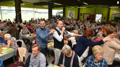 Polonaise met Yves op feest van burgemeester