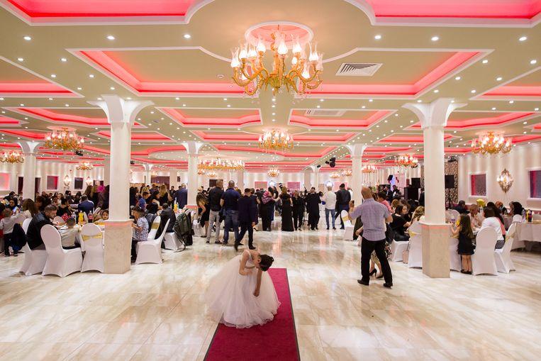 Partycentre Melody in Rotterdam, waar veel bruiloften worden gevierd. De kreet 'God is groot' wordt ook vaak in heugelijke omstandigheden geuit, bij bruiloften bijvoorbeeld. Beeld Hollandse Hoogte / Peter de Krom