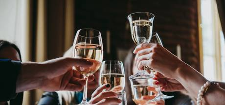 Vriendengroep opgenomen: Goedkope wijn blijkt vloeibare MDMA