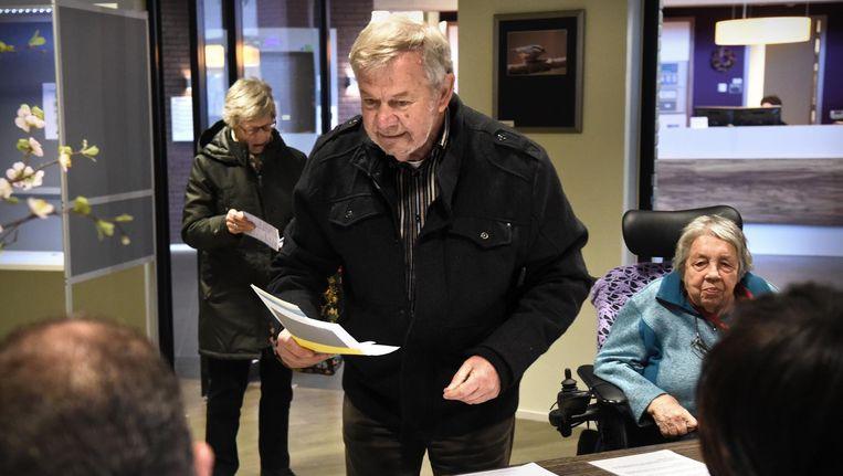 Cees Huijssoon is al 48 jaar raadslid. Beeld Marcel van den Bergh / de Volkskrant