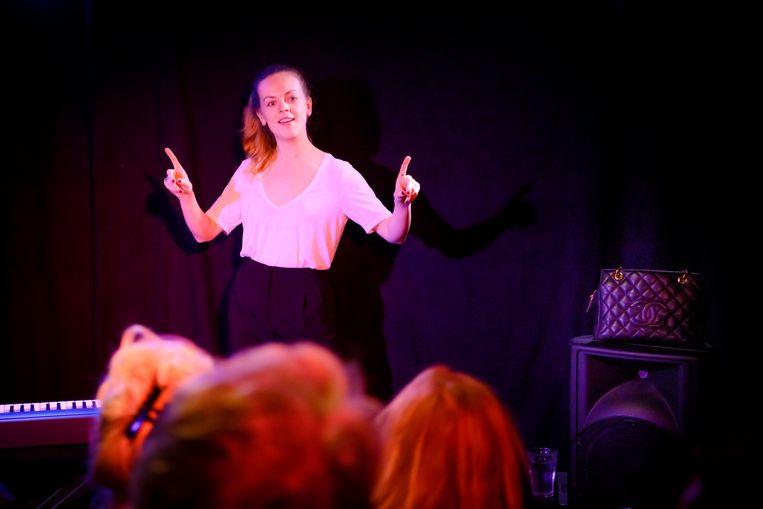 Lisa Ostermann, winnares van het Leids Cabaret Festival, stond vorig jaar in TapasTheater.  Beeld Margot de Heide