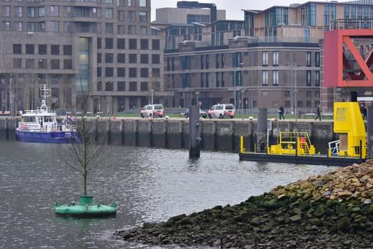 De politie deed kort na het overlijden van Cross onderzoek bij de Rijnhaven.