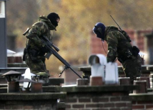Bij de arrestatie van enkele leden van de Hofstadgroep werden in 2004 speciale eenheden ingezet.
