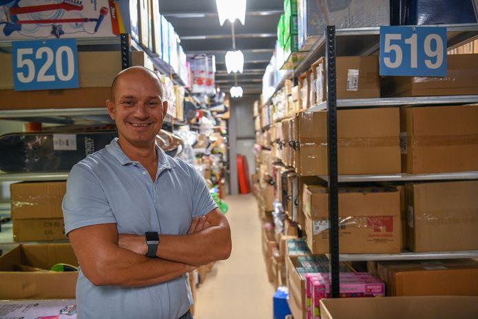 Directeur-eigenaar Tom te Riele in het magazijn van TOM in Bladel.