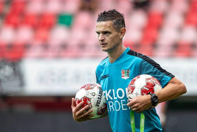 Rogier Meijer tijdens de eerste training van NEC dit seizoen in De Goffert.