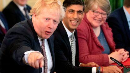 Boris Johnson verwelkomt nieuwe kabinet
