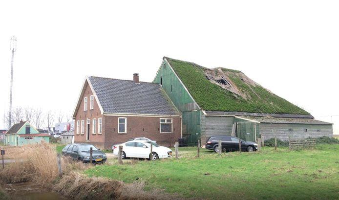 De boerderij aan de Industrieweg in Mijdrecht.