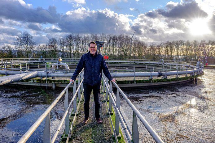 Paul Versteeg bij de Waterzuivering van het Hoogheemraadschap van Rijnland in Alphen.