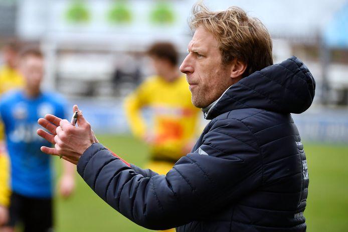 Stijn Meert, hier als coach te zien in functie van KSV Oudenaarde, looft de uitstekende (infra)structuur, de professionele werking, de gezonde sportieve ambitie en de excellente jeugdwerking van KM Torhout