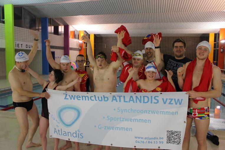 Zwemclub Atlandis en vzw Bindkracht organiseren de derde familiale Swimmathon.