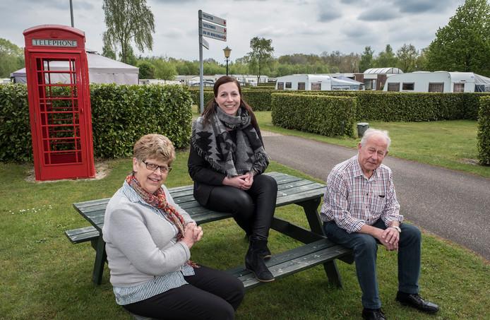 De Geuldert is nog altijd een familiebedrijf. Hier Helma, Sandra en Ger van Kesteren. Ger is kleinzoon van oprichter Gradje Giebels.