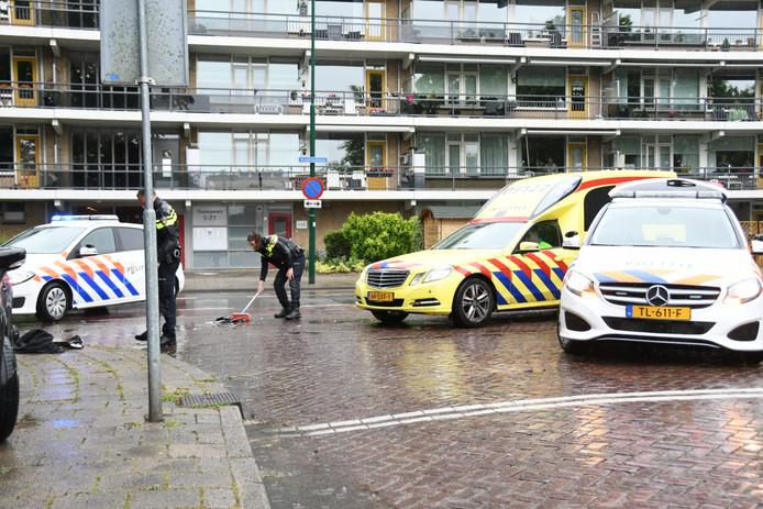 Een scooterrijder raakte gewond na een aanrijding.