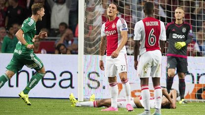 Rapid Wien kegelt Ajax uit Champions League