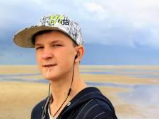 Eltjo (19) overleed na overmoedige sprong van brug: 'Hij zocht altijd grenzen op'